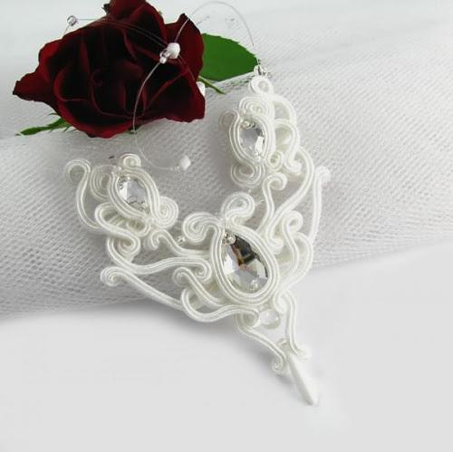 Śnieżno biały ślubny naszyjnik soutache