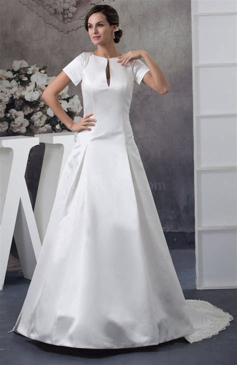 White with Sleeves Bridal Gowns Inexpensive Petite