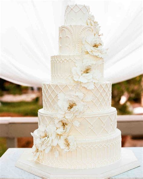 32 Amazing Wedding Cakes You Have to See to Believe
