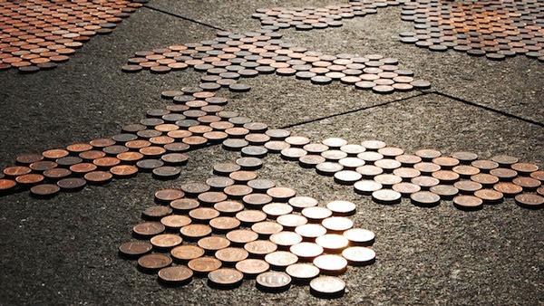 "perierga.gr - Μια ""οδογραφία"" με 250.000 κέρματα!"