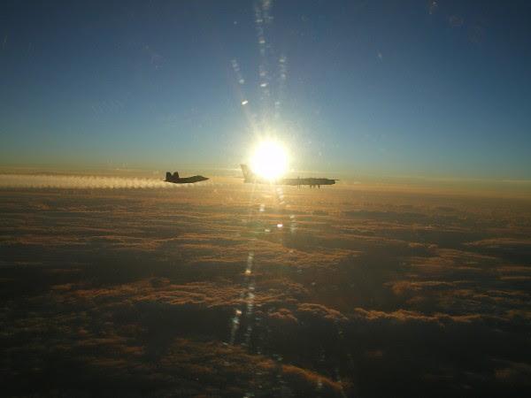F-22 Raptor intercepta bombardero ruso