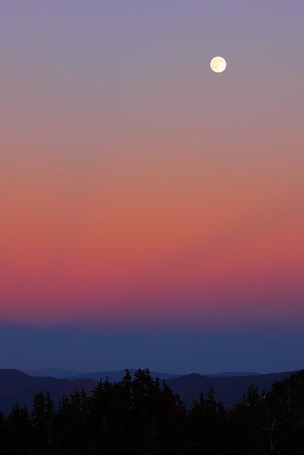 IMG_9628 Moonrise, Lassen Volcanic National Park