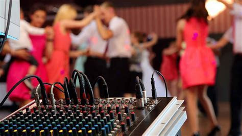 How Much Does a Wedding DJ Cost   Prices