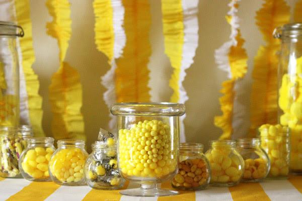 yellow-candy-buffet