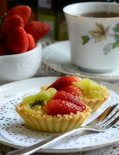 AKU MENGIDAM FRESH FRUIT TART....
