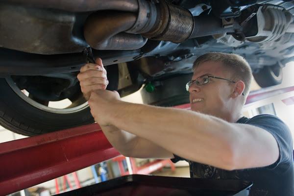 Become a Mechanic or Automotive Service Technician ...