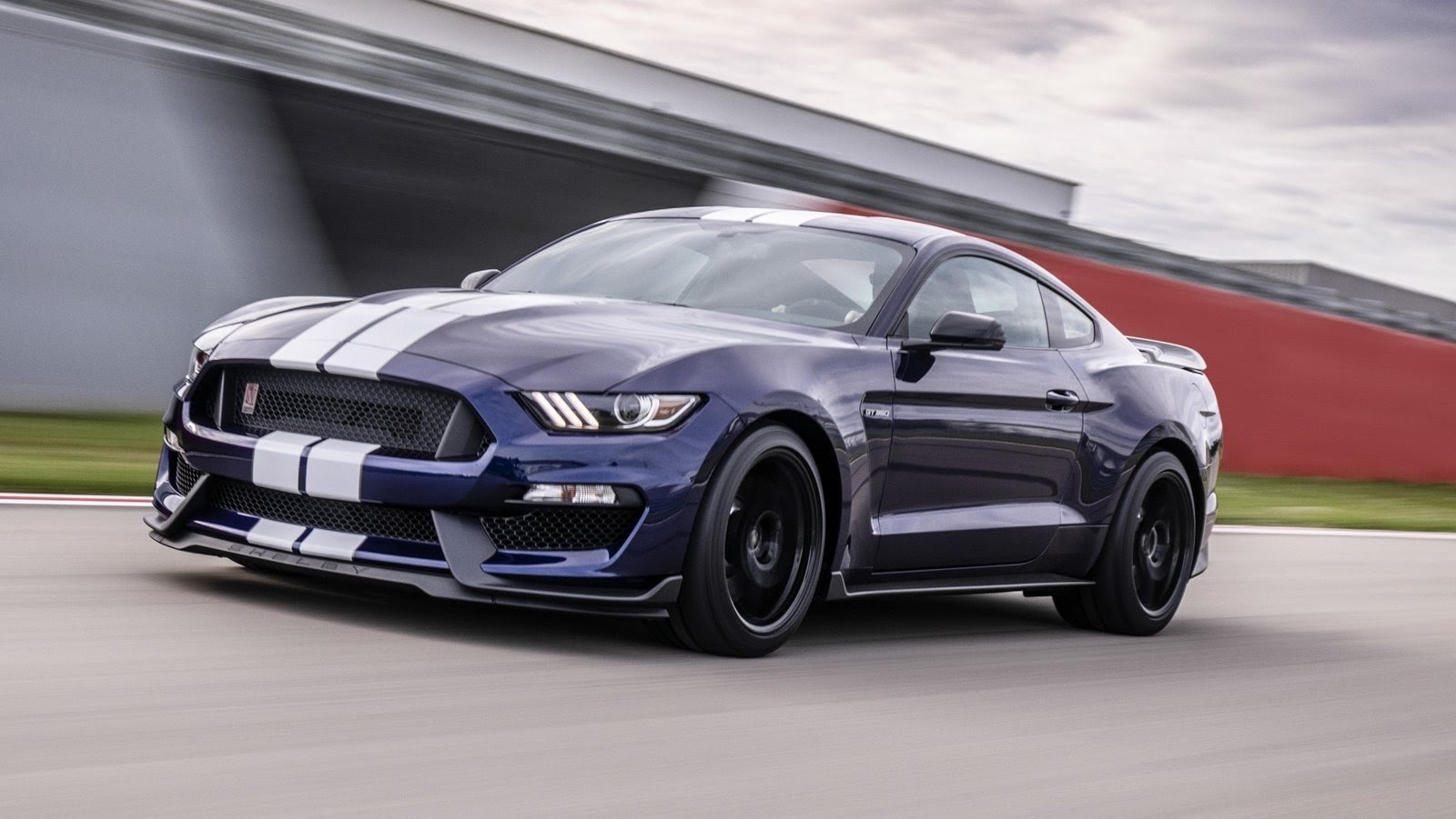 Ford Infuses The 2019 Mustang Shelby Gt350 With Racing And Gt500 Dna Top Speed