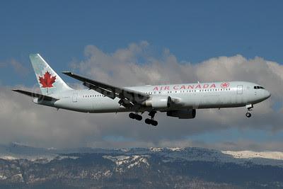 Air Canada Boeing 767-333 ER C-FMWQ (msn 25584) GVA (Paul Denton). Image: 909994.