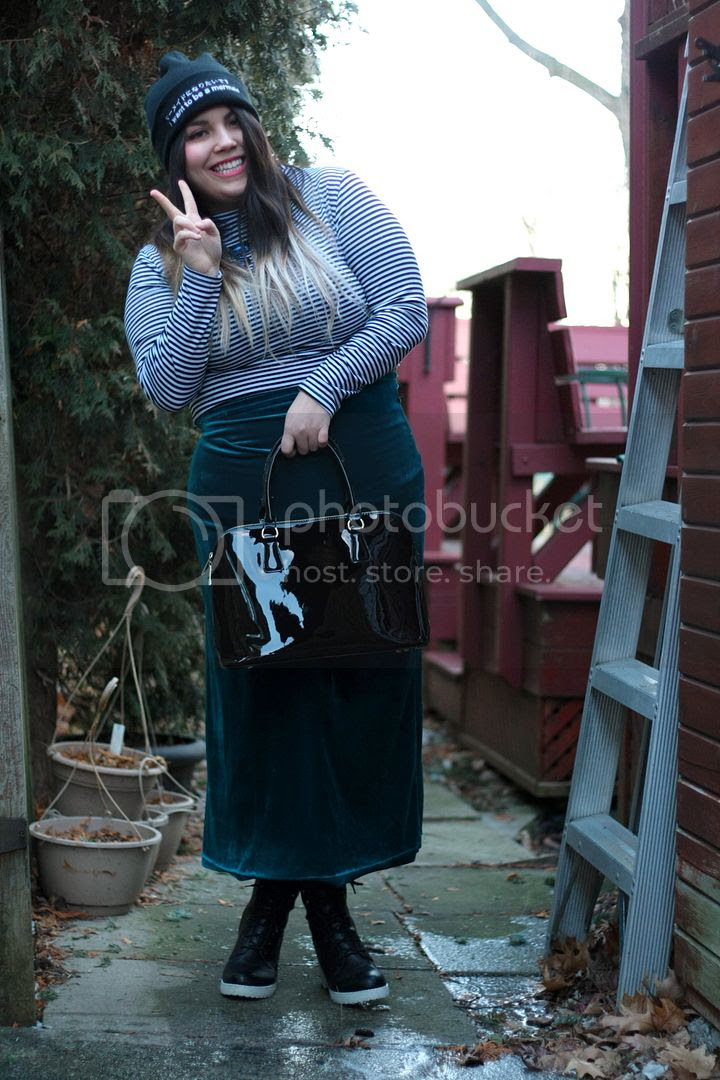 ursa major plus plus size fashion canada toronto jessica ip fatshion plus size vintage mermaid drop dead beanie velvet maxi skirt