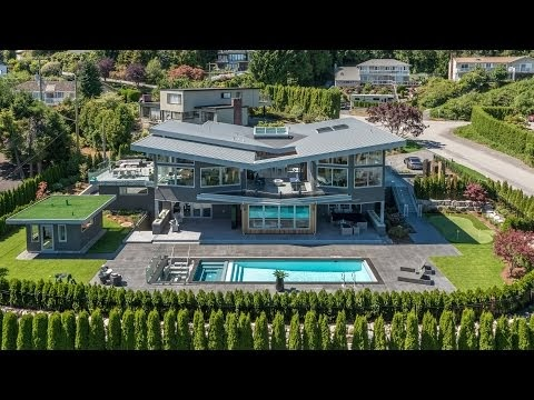 An Inviting And Ultra Luxury Estate Home In West Vancouver, Canada