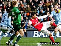 Eduardo fires home Arsenal's second
