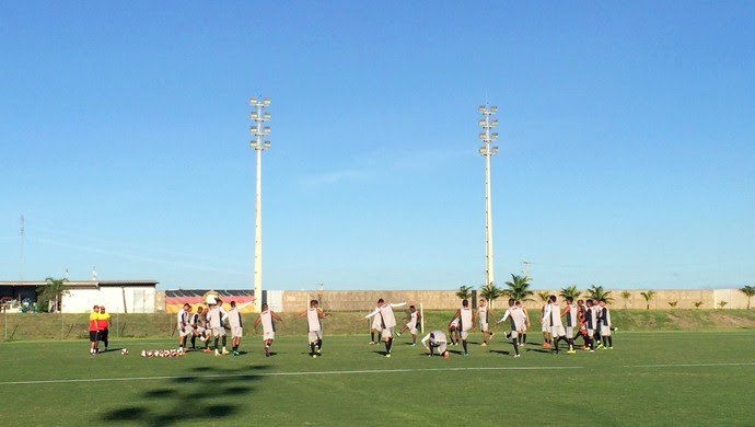 Globo FC - treino Estádio Barretão (Foto: Luiz Henrique/GloboEsporte.com)