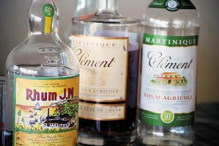 Parmi les boissons fortes, le rhum demeure une des favorites dans les bars.<br />