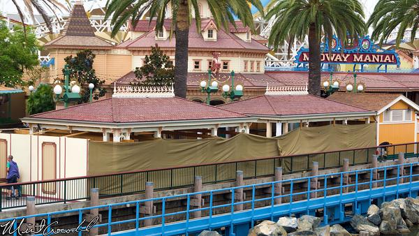 Disneyland Resort, Disney California Adventure, Paradise Pier, Toy Story Midway Mania, Queue, Structure