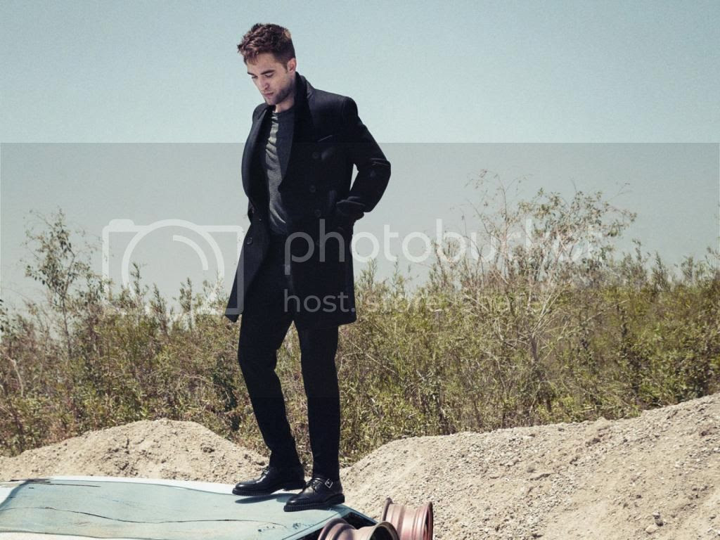Robert Pattinson Esquire Magazine September 2014 photo Robert-Pattinson-Esquire-September-2014-02_zps67fc34de.jpg