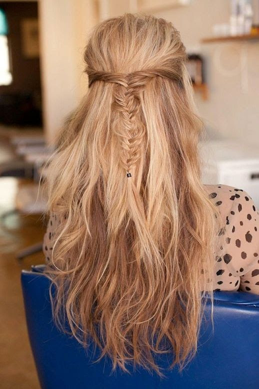 Le Fashion Blog -- 30 Inspiring Fishtail Braids -- Half Up Wavy Braid Hair Style -- Via Refinery 29 -- photo 11-Le-Fashion-Blog-30-Inspiring-Fishtail-Braids-Half-Up-Wavy-Braid-Hair-Style-Via-Refinery-29.jpg