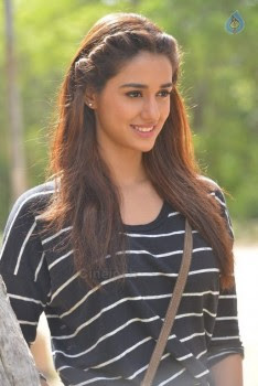 Disha Patani New Pics - 4 of 27