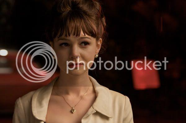 http://i683.photobucket.com/albums/vv199/cinemabecomesher/MonthlyTopFavorites/0909carey_mulligan_an_education_mov.jpg