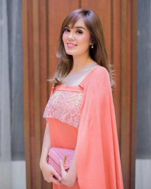 #Hiburan: Aksi Selamba Uqasha Senrose Peluk Cium Adik Ipar Dikritik Netizen