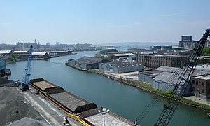 Looking south along Gowanus Canal from Gowanus...