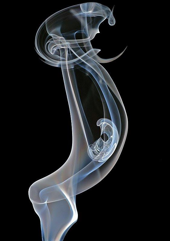 Smoke optical illusions