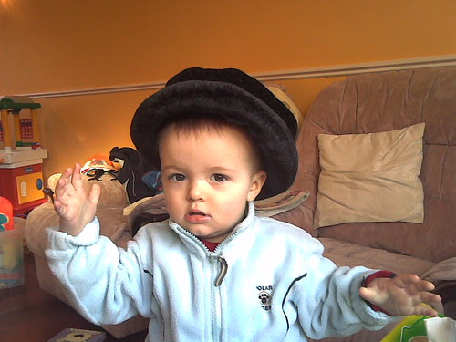 Oliver in Mummy's hat