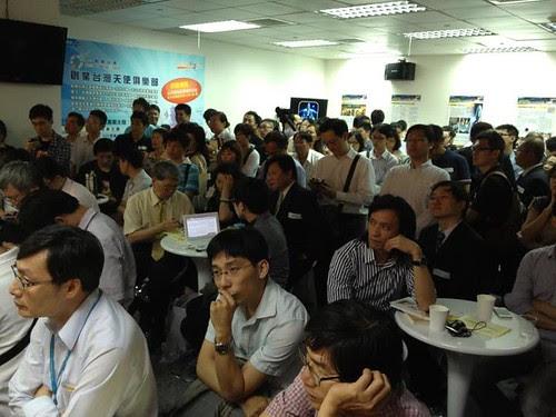 鬧烘烘的創業台灣天使俱樂部。