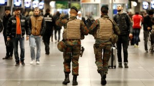 "Belgian soldiers patrol in the arrival hall at Midi railway station in Brussels, November 21, 2015, after security was tightened in Belgium following the fatal attacks in Paris. Belgium raised the alert status for its capital Brussels to the highest level on Saturday, shutting the metro and warning the public to avoid crowds because of a ""serious and imminent"" threat of an attack. REUTERS/Francois Lenoir - RTX1V4ZO"