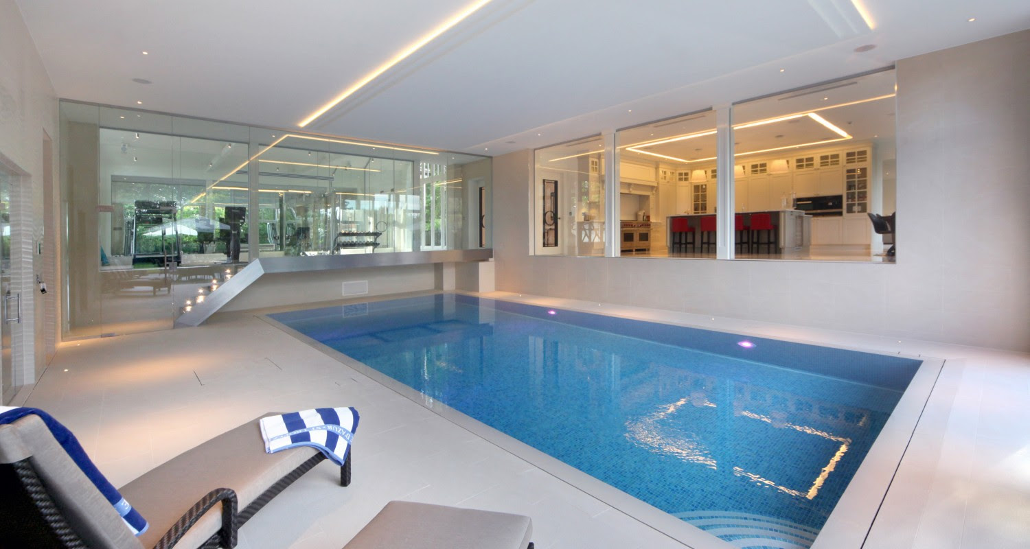swimming pool and view into kitchen 1500x800