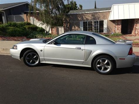 expired  silver ford mustang gt premium los