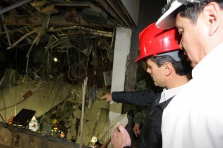 Peña y Osorio en la zona del desatre. Foto: Presidencia