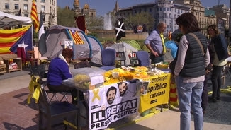 Campament independentista a plaça Catalunya