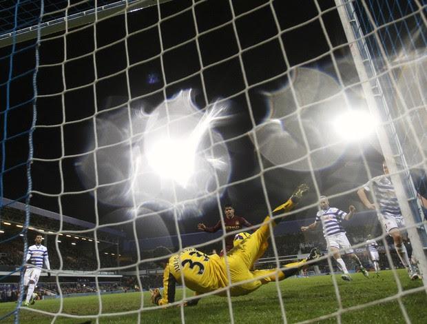 Julio César Queens Park Rangers (Foto: Reuters)