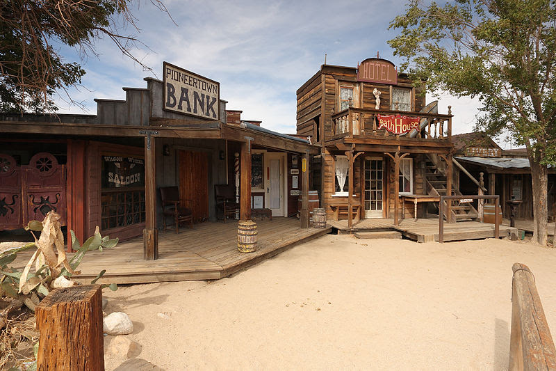 File:Pioneertown california saloon and bath house.jpg