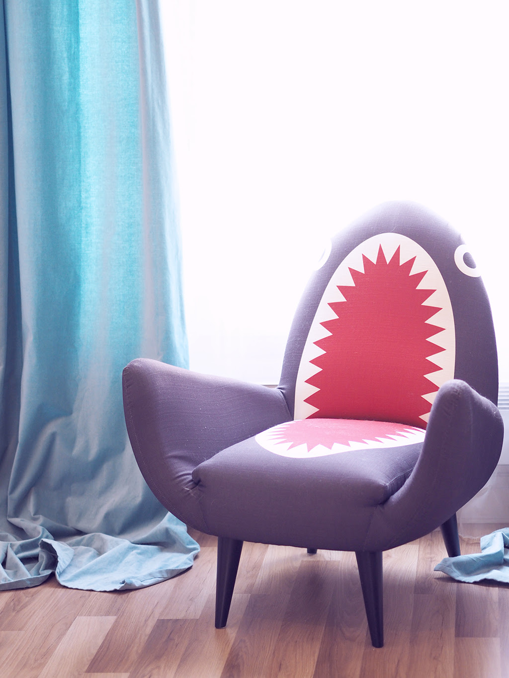 made rodnik shark chair