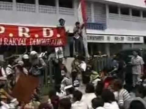 Indonesia in Revolt- Demokrasi atau Mati