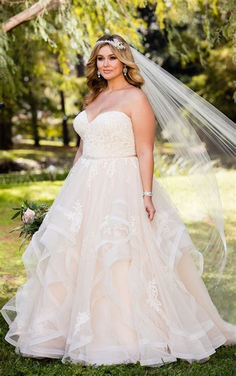 Pink Floral Lace Plus Size Wedding Dress with Textured