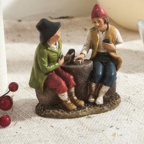 Figura de pastores sentados con sombrero de 11cm