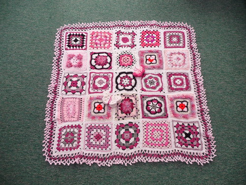 Thanks to everyone that contributed Sqauares for this Blanket.