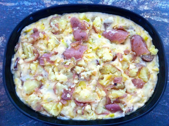 Cheesy Bake Toped with Potatoes and Olive Oil