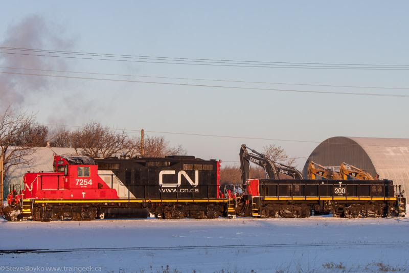 CN 7254 and CN 200 in Winnipeg