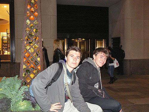 clem et Paul au Rockefeller Center.jpg