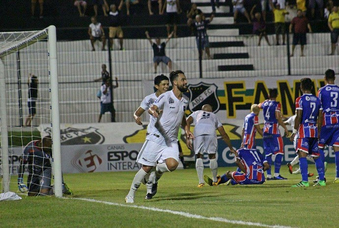 ABC x Itabaiana, no Estádio Frasqueirão - Copa do Nordeste (Foto: Fabiano de Oliveira)