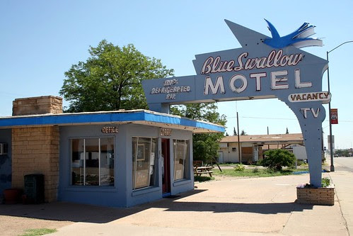 the blue swallow motel