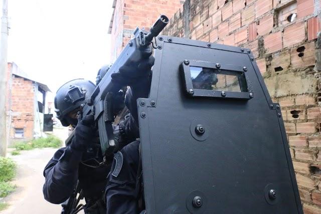 Casal suspeito de envolvido com roubos a bancos é preso em motel na Bahia
