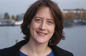 Artikelbild: Anja Appel (36) promovierte an der Uni Münster in Politikwissenschaft und lebt seit 2003 in Wien, am 1. November wurde die Entwicklungshilfeexpertin Generalsekretärin der Katholischen  Frauenbewegung Österreichs (kfbö). - Foto: kfbö/Appel