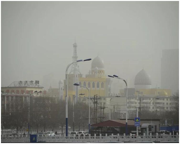 呼和浩特市發布沙塵暴黃色預警信號。資料圖片
