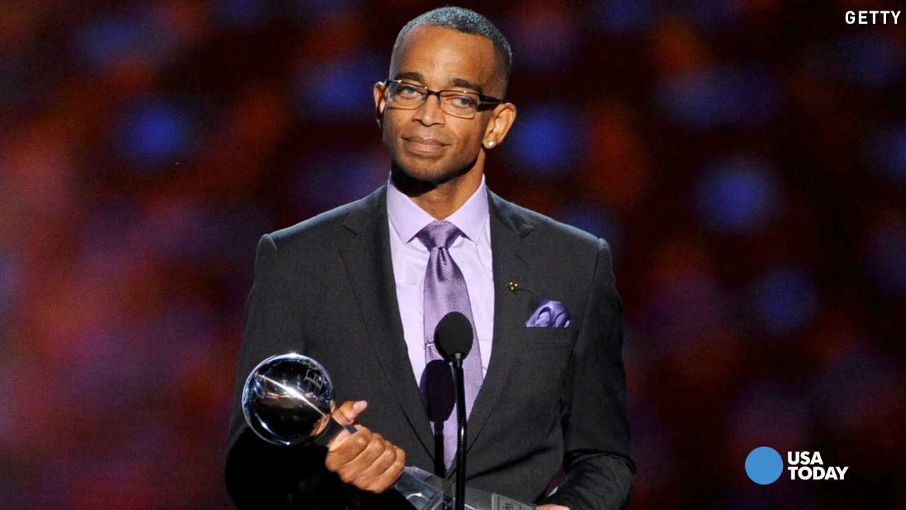 Espn S Stuart Scott Dies After Lengthy Battle With Cancer