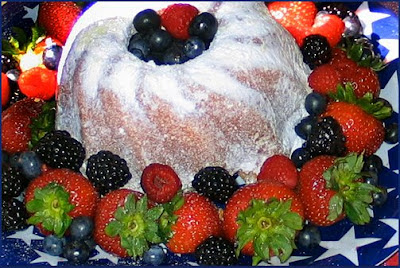 Bundt cake and fruit
