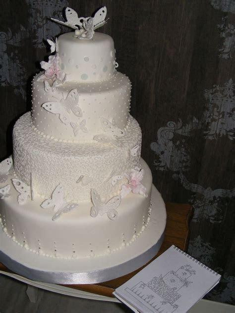 tortas de 2 pisos con mariposas para Bautizo   Buscar con